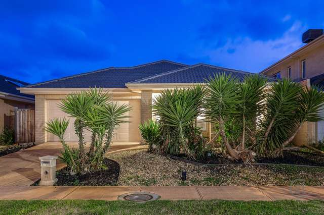 31 Seafarer Way, Sanctuary Lakes VIC 3030