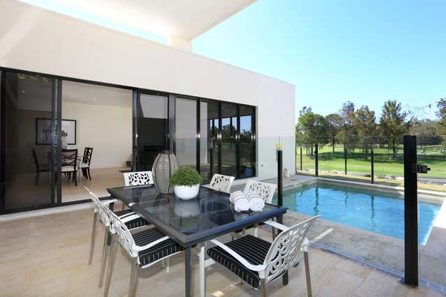 2 THE BOULEVARDE, Benowa QLD 4217