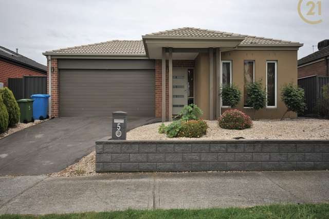 5 Datura Avenue, Cranbourne North VIC 3977