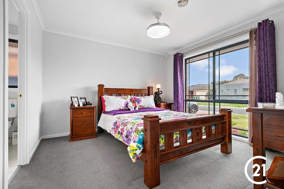 Third view of Homely house listing, 25 Stringy Bark Circuit, Pakenham VIC 3810