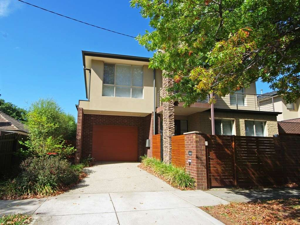 Main view of Homely townhouse listing, 2A Shanahan Crescent, Mckinnon, VIC 3204