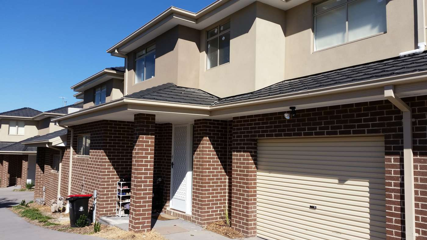 Main view of Homely townhouse listing, 2/5 Eden Court, Noble Park, VIC 3174