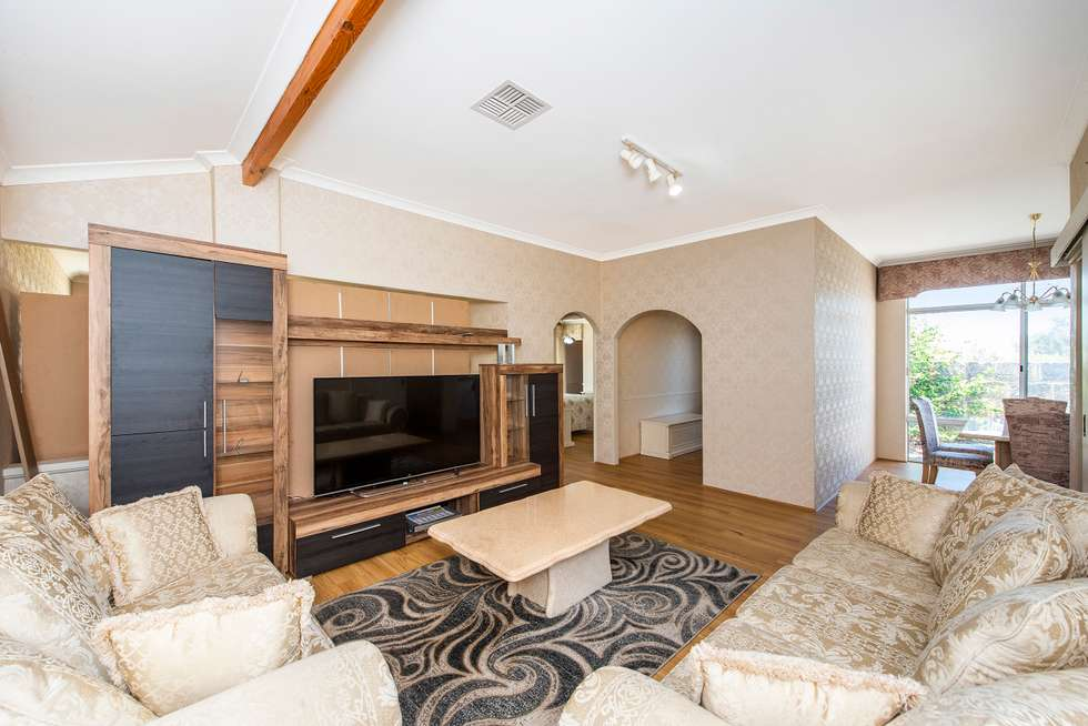 Fourth view of Homely house listing, 5 Silky Vale, Halls Head WA 6210