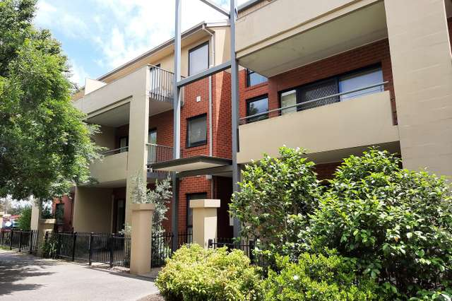 32/1 Greenfield Drive, Clayton VIC 3168