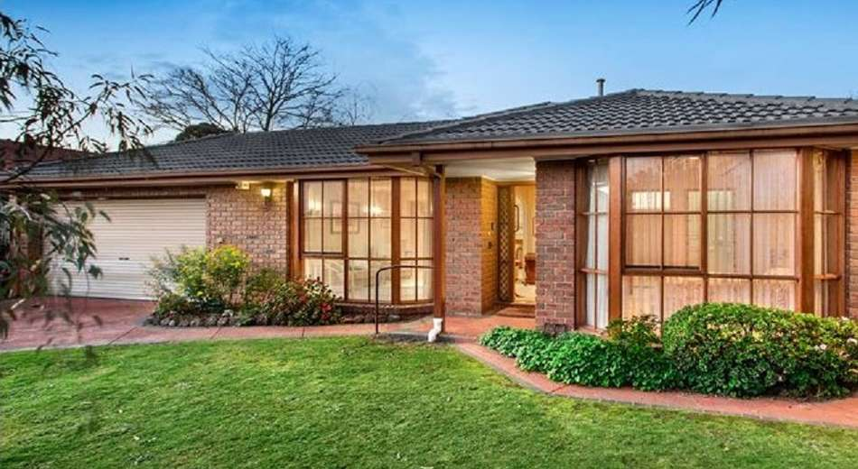 4 Escott Grove, Berwick VIC 3806