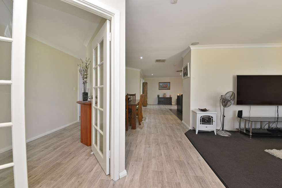 Fifth view of Homely house listing, 17 Falkirk Court, Kinross WA 6028