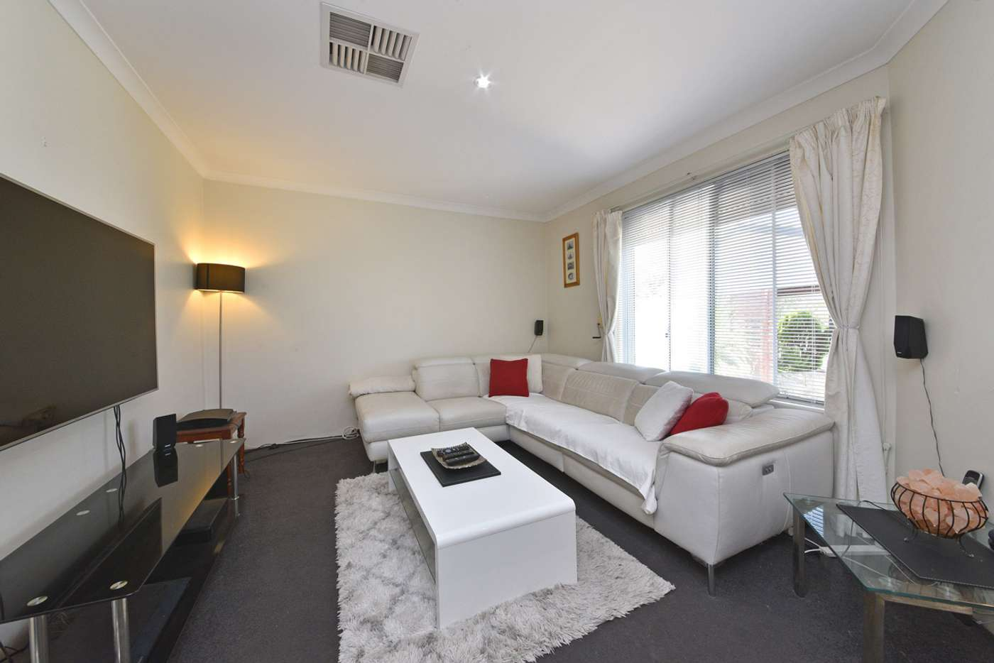 Seventh view of Homely house listing, 17 Falkirk Court, Kinross WA 6028