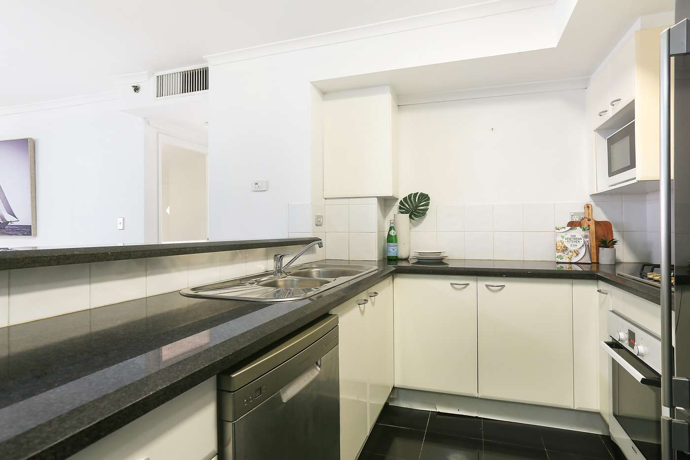 Fifth view of Homely apartment listing, 253/303 Castlereagh St, Sydney NSW 2000