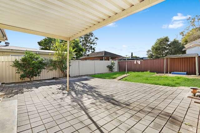 52 Surrey St, Minto NSW 2566