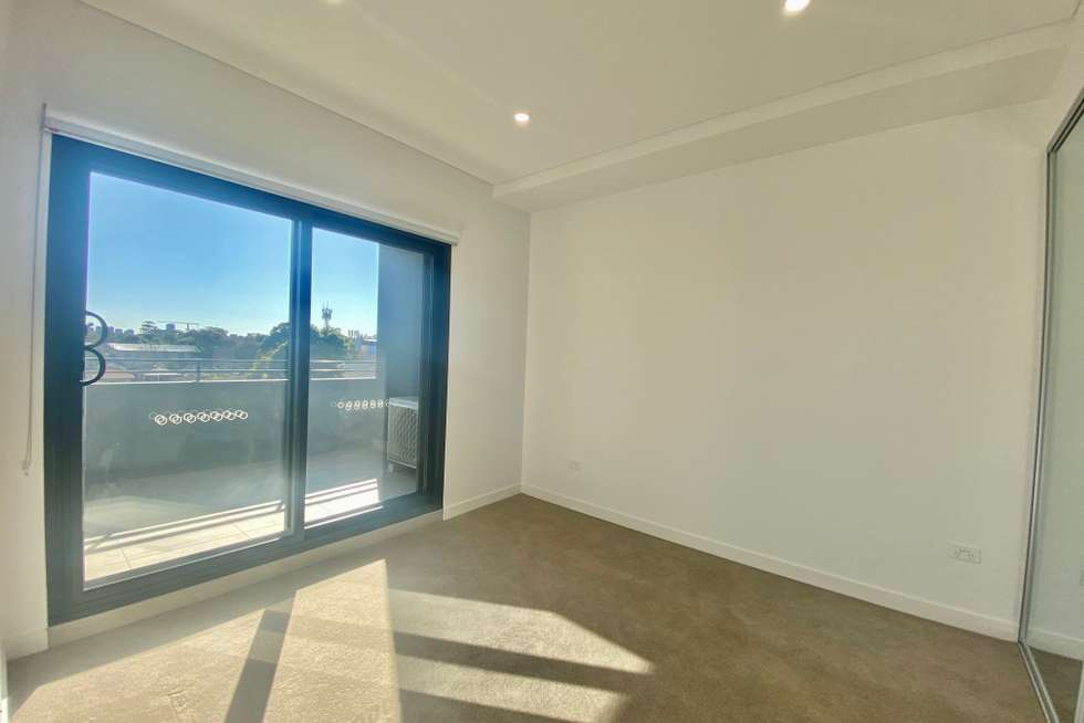 Fifth view of Homely apartment listing, 411/19-25 Robey Street, Mascot NSW 2020