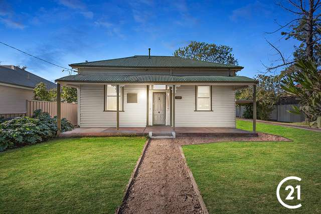 15 Moore Street, Rochester VIC 3561