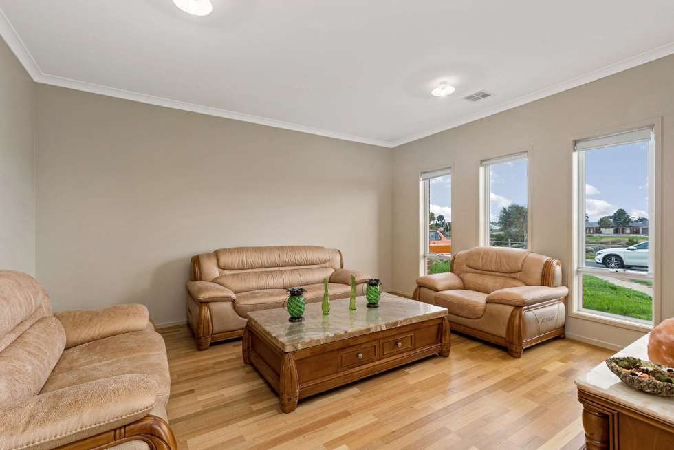 Second view of Homely house listing, 18 Pindaroi Court, Tarneit VIC 3029