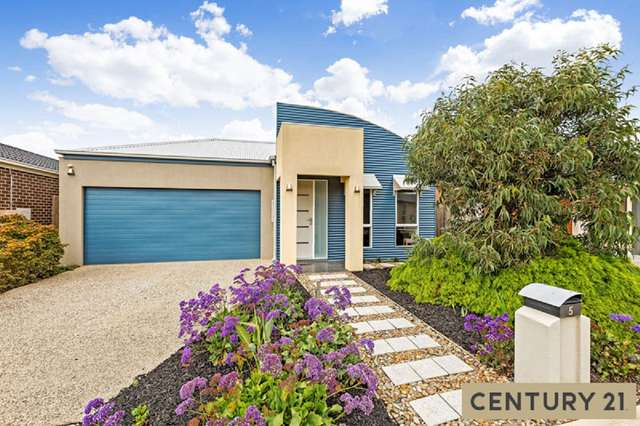 5 Oceanwave Parade, Point Cook VIC 3030