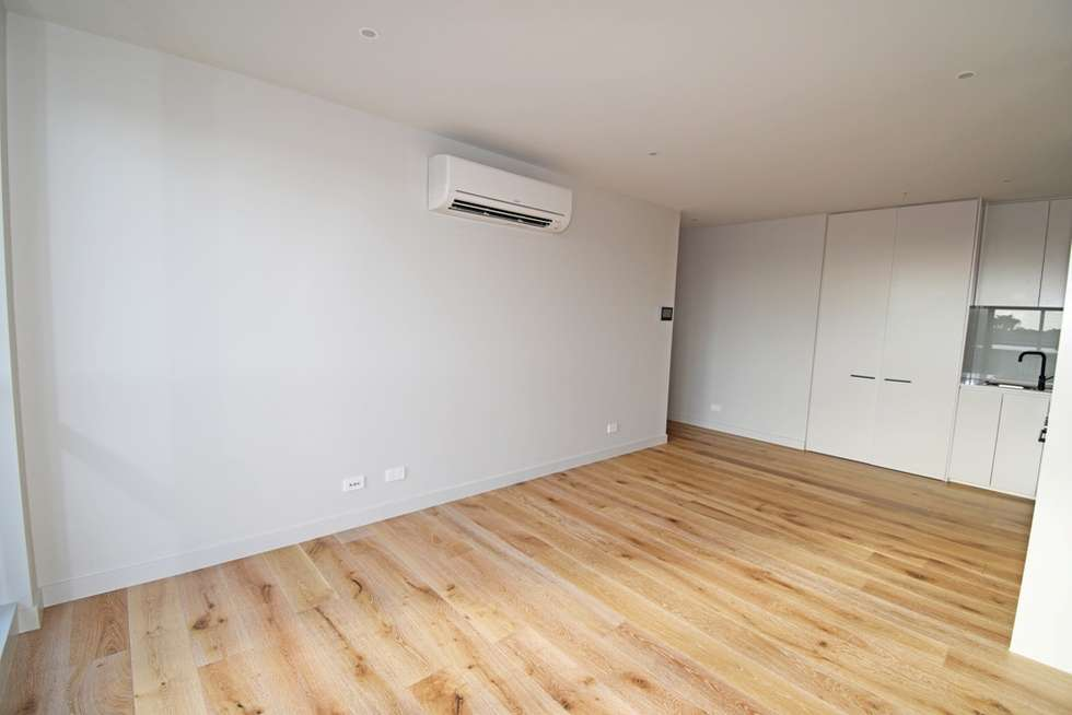 Fourth view of Homely apartment listing, 204/23 Bent Street, Bentleigh VIC 3204