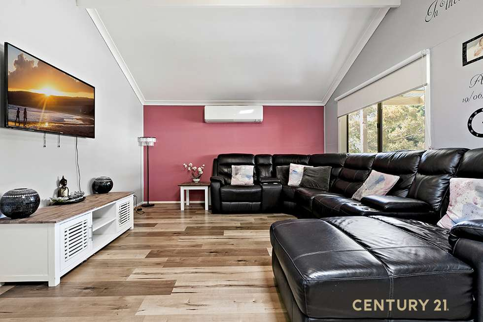 Second view of Homely house listing, 4 Bruce Court, Pakenham VIC 3810
