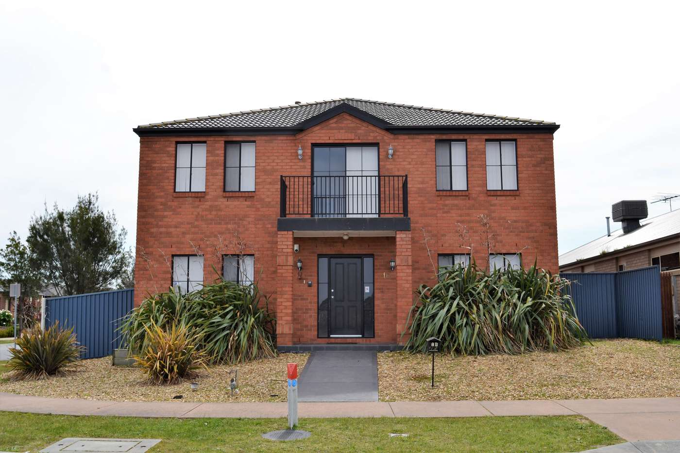 Main view of Homely house listing, 16 Laurina Link, Pakenham VIC 3810