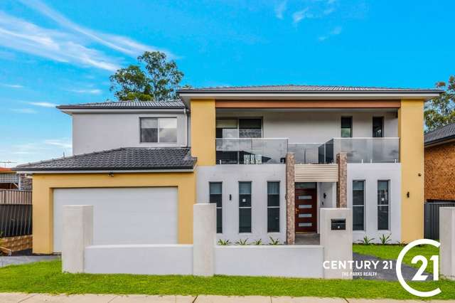 28 Falklands Ave, Bossley Park NSW 2176