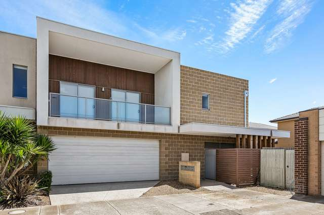 2/11 Song Street, Sunshine West VIC 3020