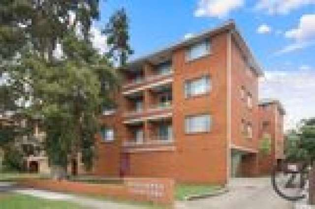 1/3 Hart Street, Warwick Farm NSW 2170