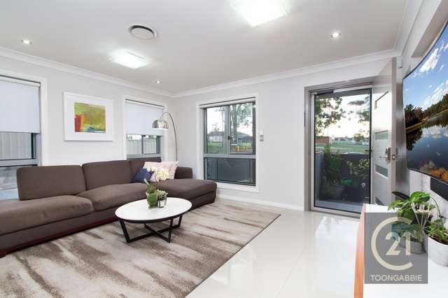 2/17 Fox Hills Cre, Toongabbie NSW 2146