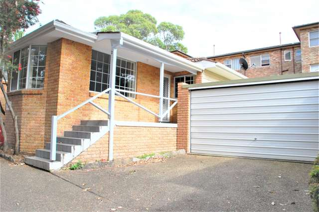 2/76 Cronulla Street, Carlton NSW 2218
