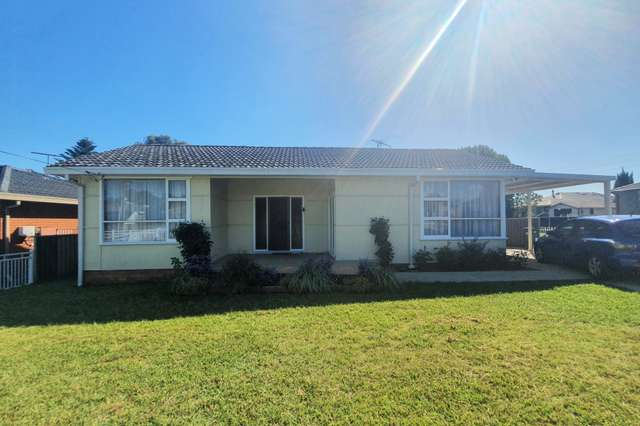16 First Avenue, Macquarie Fields NSW 2564
