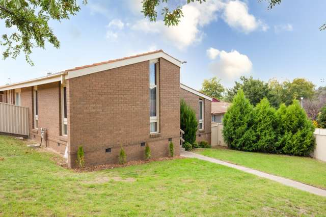 7 Ross Place, Mitchell NSW 2795