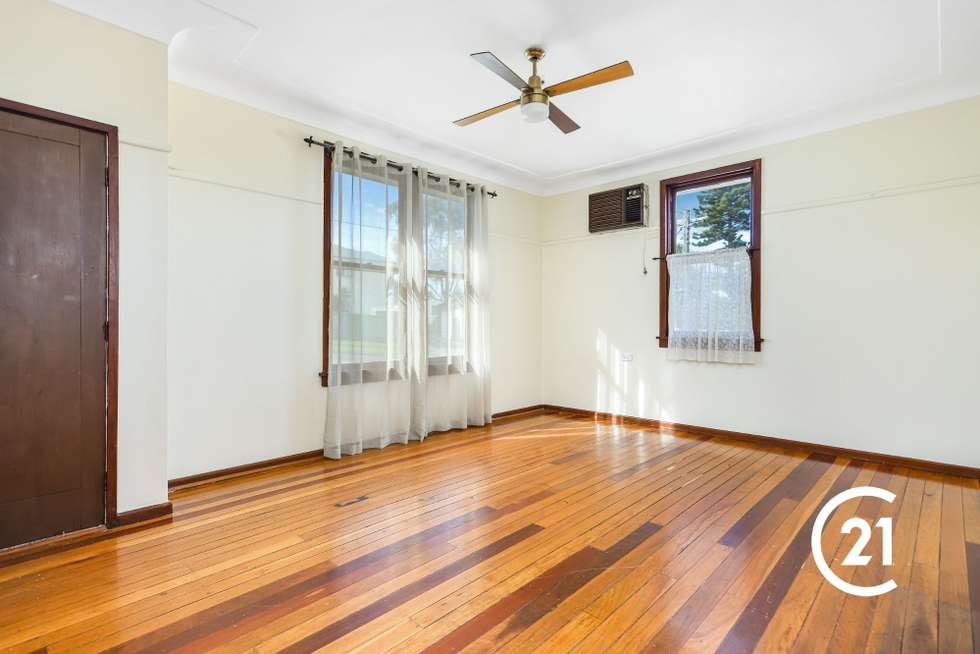 Second view of Homely house listing, 32 Dawn Drive, Seven Hills NSW 2147
