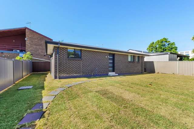 102a Canterbury Rd, Glenfield NSW 2167