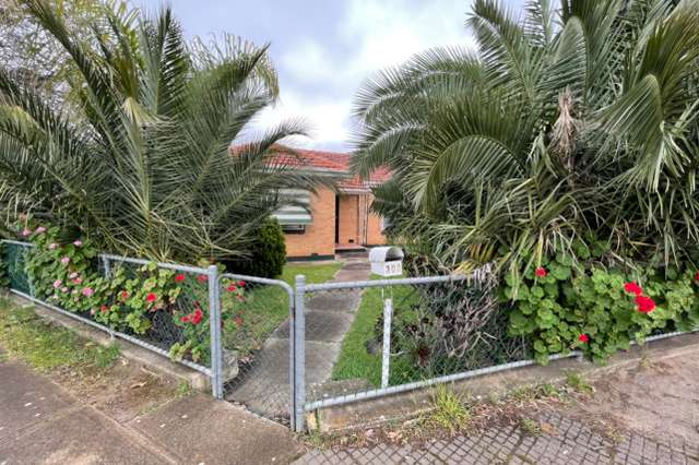 302 Hampstead Road, Clearview SA 5085