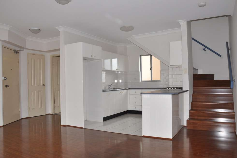 Third view of Homely apartment listing, 32/1 Hillcrest Ave, Hurstville NSW 2220