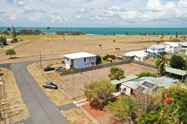 4 Hicks Street, Burnett Heads QLD 4670
