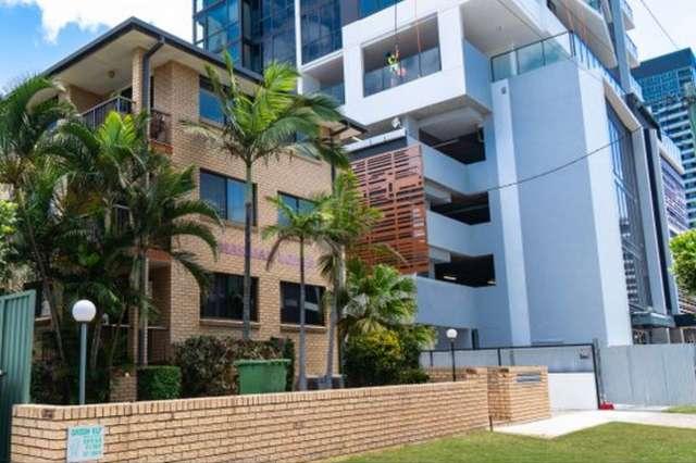 2/10 Elizabeth Avenue, Broadbeach QLD 4218