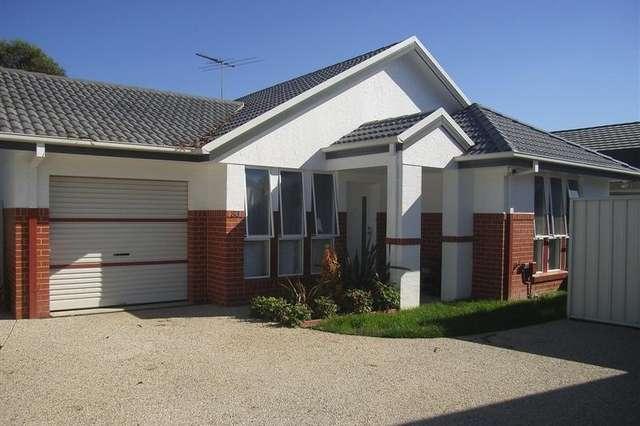 63 Kurrajong Crescent, West Albury NSW 2640