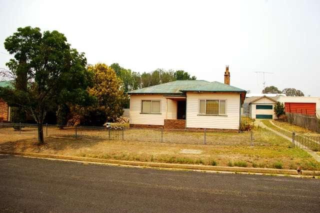 6 John Street, Uralla NSW 2358