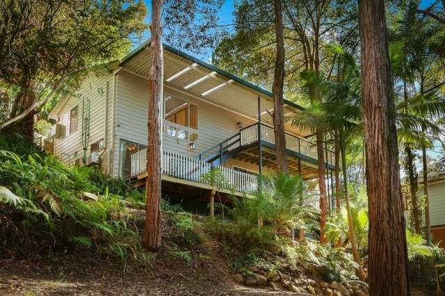 15 Coral Tree Place, Point Clare NSW 2250