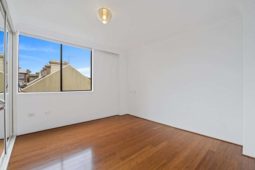 Third view of Homely apartment listing, 18/29-35 Roslyn Gardens, Elizabeth Bay NSW 2011