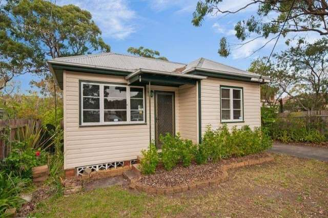12 Greenfield Rd, Empire Bay NSW 2257