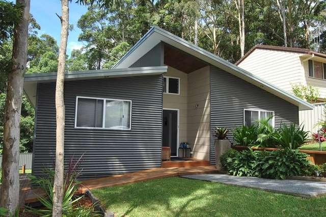 10 Harcourt Cres, Smiths Lake NSW 2428