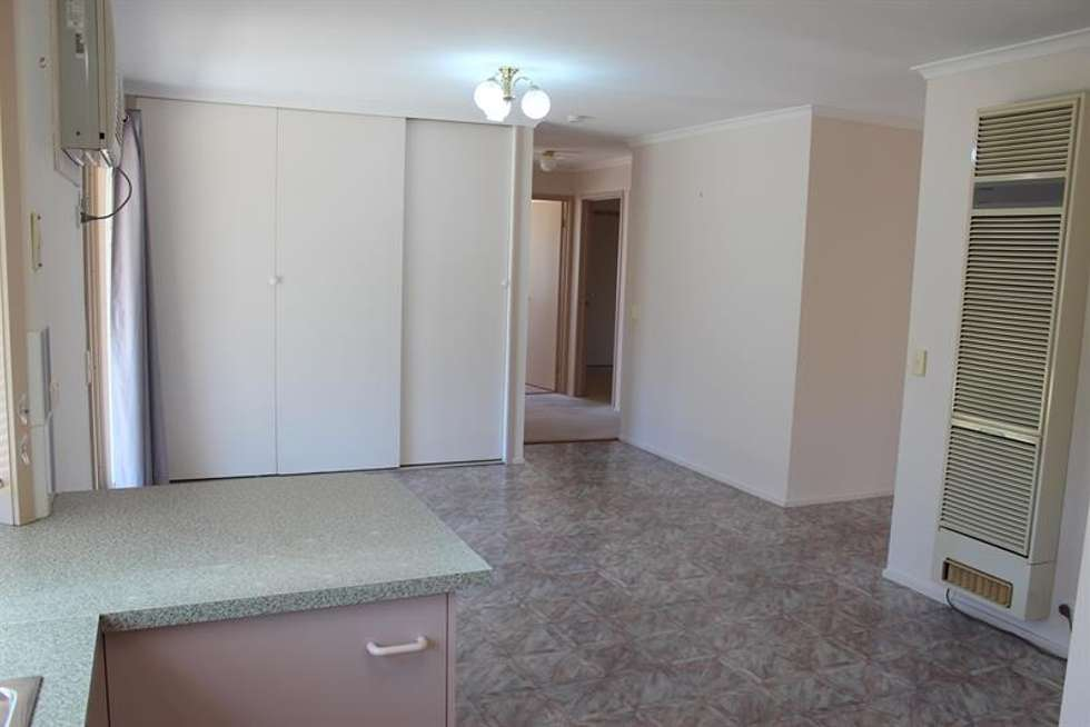 Third view of Homely house listing, 4 Sturtvale Ct, West Albury NSW 2640