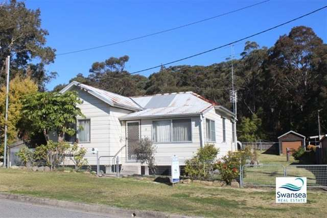 8 Waterview Rd, Nords Wharf NSW 2281