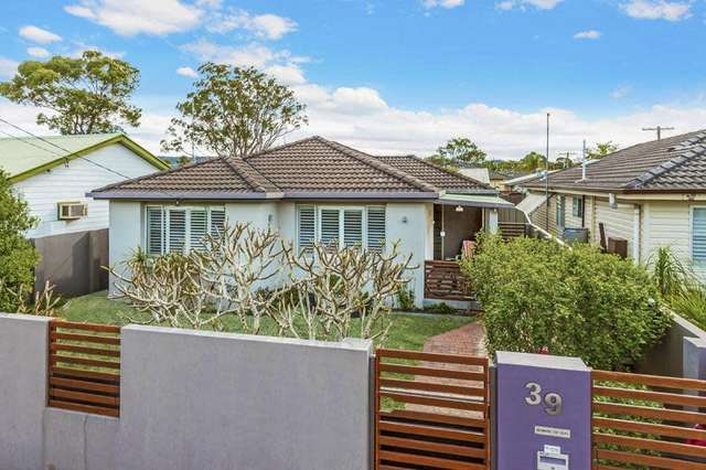 39 Commonwealth Ave, Blackwall NSW 2256