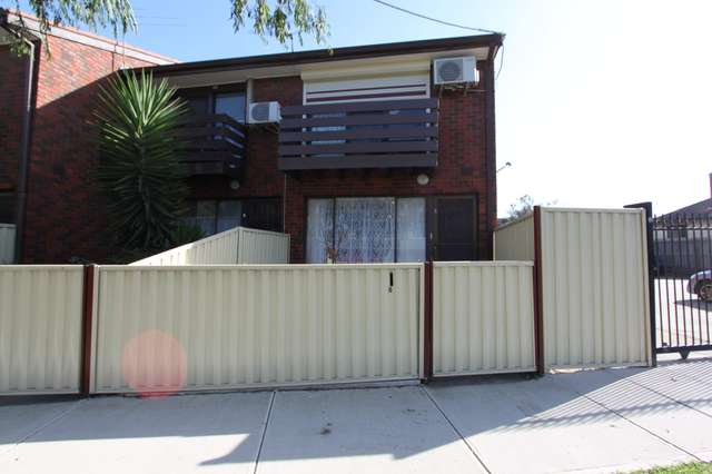 8/22 Forrest Street, Albion VIC 3020