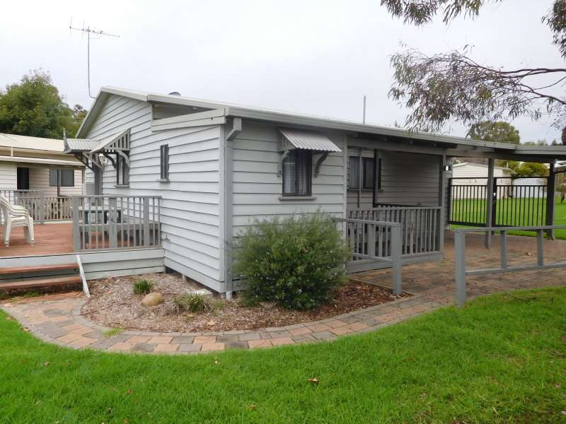 Main view of Homely villa listing, 8 Spotted Gum Drive, Albury, NSW 2640