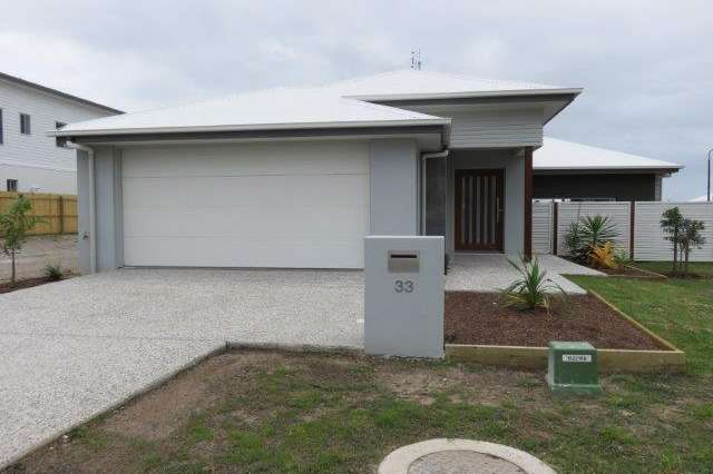 33 Hideaway Close, Birtinya QLD 4575