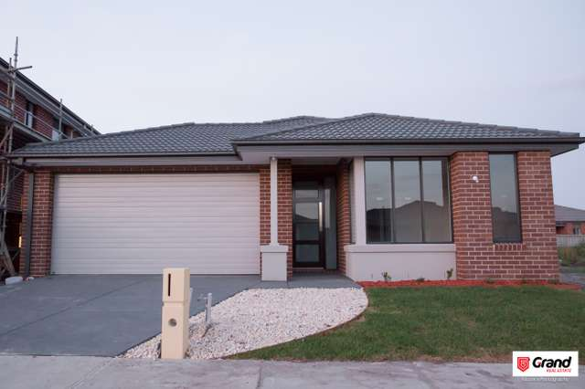 26 Gemma St, Cranbourne East VIC 3977