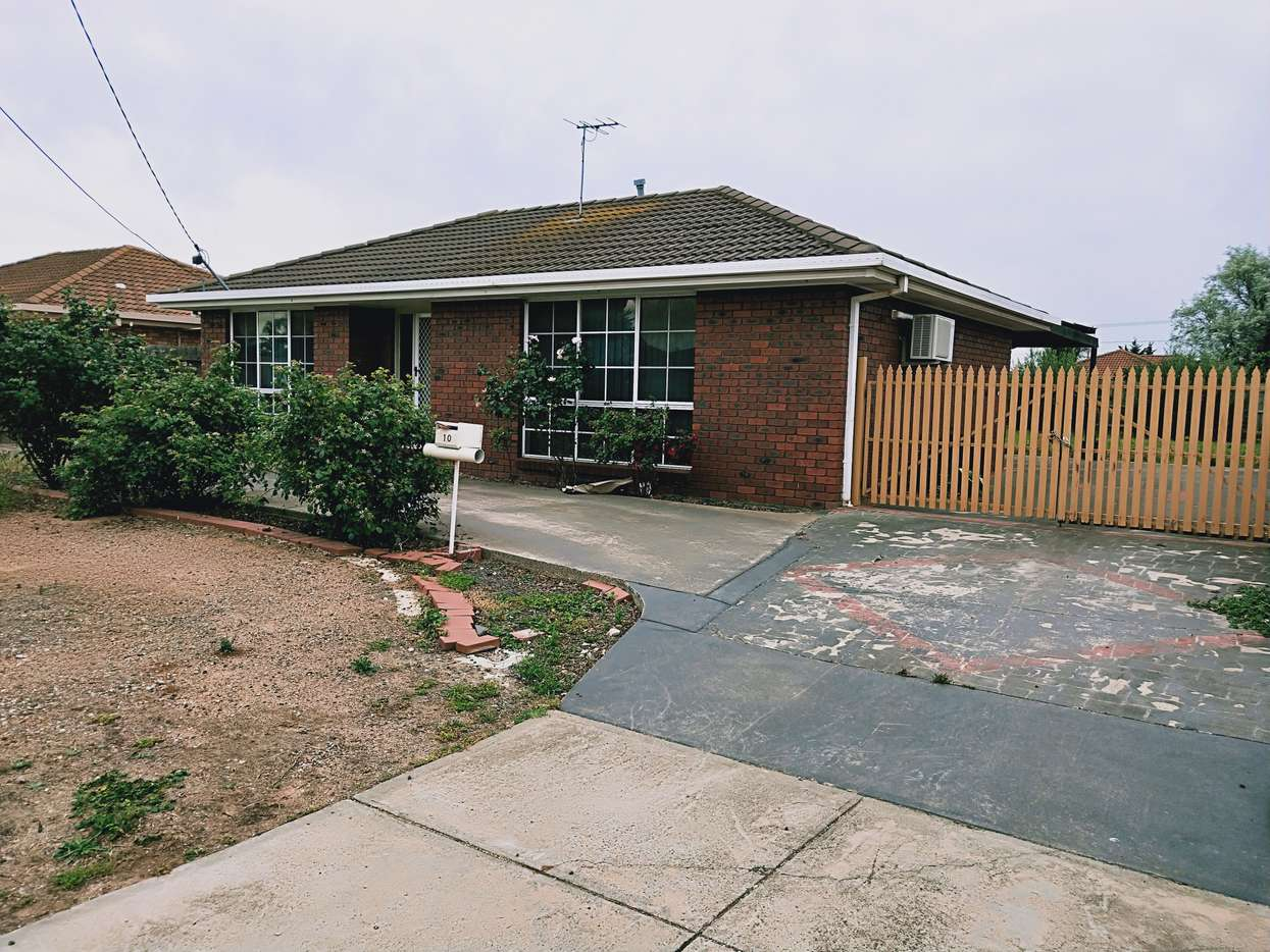 Main view of Homely house listing, 10 Pardalote Close, Werribee, VIC 3030