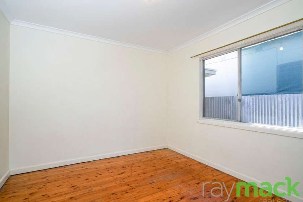 Fifth view of Homely unit listing, 2/517 Crisp Street, Albury NSW 2640