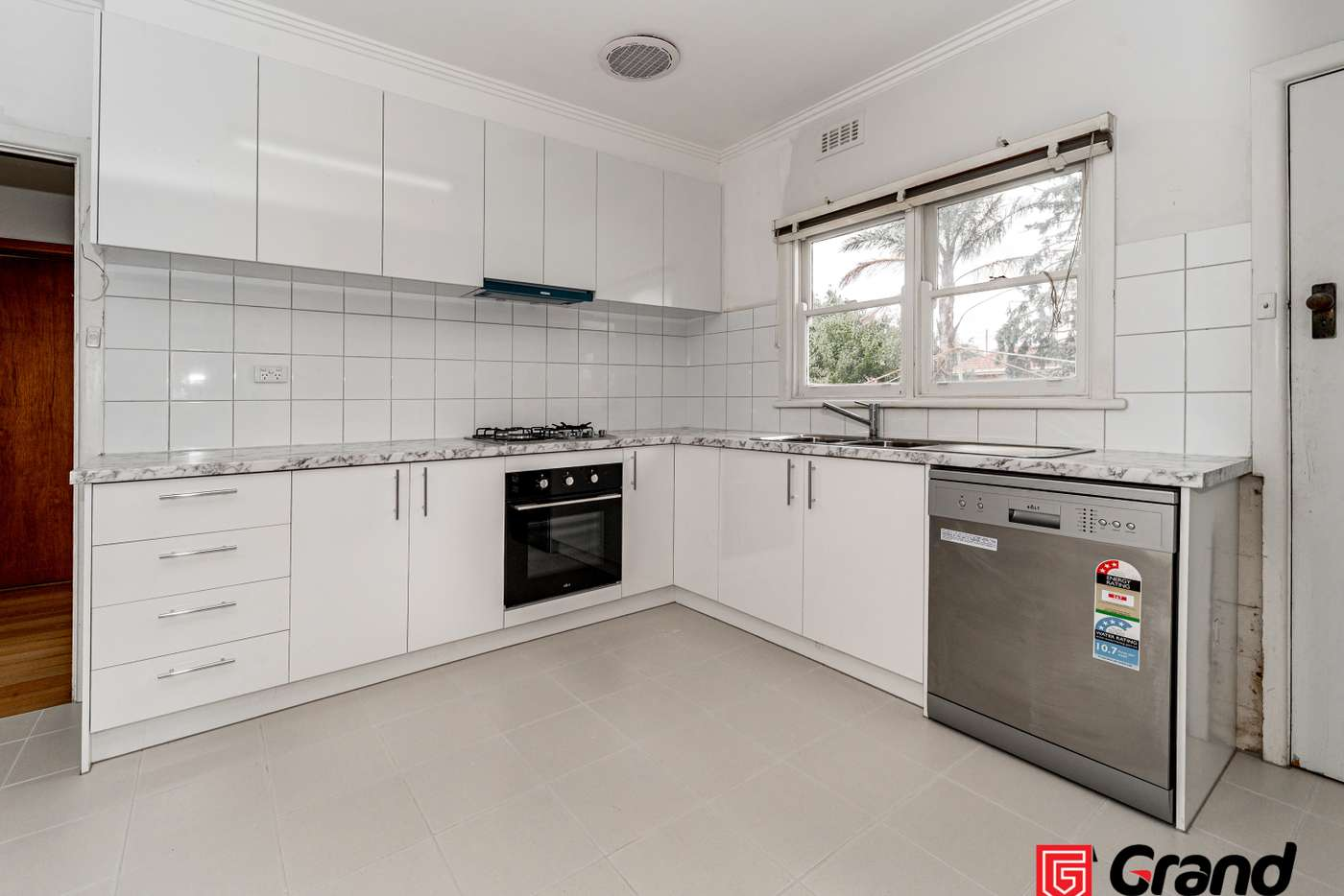 Main view of Homely house listing, 8 Vernon St, Huntingdale VIC 3166