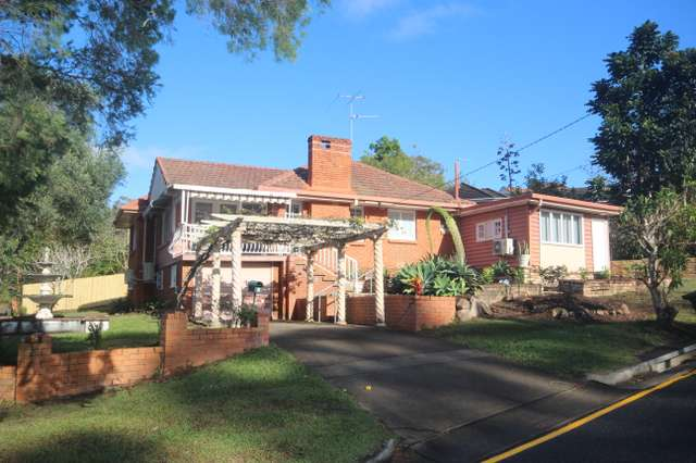 2 Mavis Street, St Lucia QLD 4067
